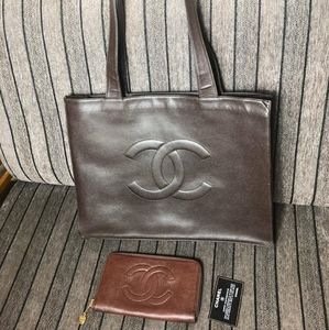 CAVIAR LEATHER CHANEL TOTE & WALLET